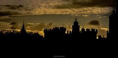 Soleil Vert sur Édimbourg (Frédéric Fossard) Tags: texture silhouette noir lumière grain ombre contraste nuage crépuscule château croix clocher coupole abstrait surréaliste écosse édimbourg