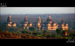 Orchha | Cenotaphs | India (YasH IMAGES) Tags: india history monument canon nationalgeographic madhyapradesh orchha centralindia cenotaphs 550d chhatri 55250 t2i betwariver maharajarudrapratapsingh