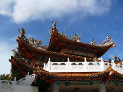 TIan HOu TEmple (pooncu) Tags: sky statue architecture temple dragon daytime colourful chines sloud balustrate