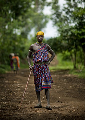 Menit tribe man - Omo Ethiopia (Eric Lafforgue) Tags: africa people man colour male vertical outside outdoors person artistic market fulllength ornament omovalley stick marketplace bodypainting ethiopia bandana rite tum baton personne humanbeing marche headband homme contemplation adornment afrique pigments dehors omo eastafrica abyssinia ethiopie exterieur lookingatcamera traditionalclothes toum enpied 0778 abyssinie vueexterieure coloredpicture photocouleur menit photoenpied afriquedelest nomadicpeople etrehumain habittraditionnel meinit valleedelomo regardantlobjectif peoplesoftheomovalley peuplesdelavalleedelomo colouredpicture habittraditionnels peuplemenit menitpeople tribudesmenits menittribe meinitpeople meinittribe