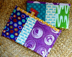 Dbut d'une collection ? (chabronico) Tags: quilt quilting patchwork fabrics batik tissu handdyed trousse kokka fermetureclair