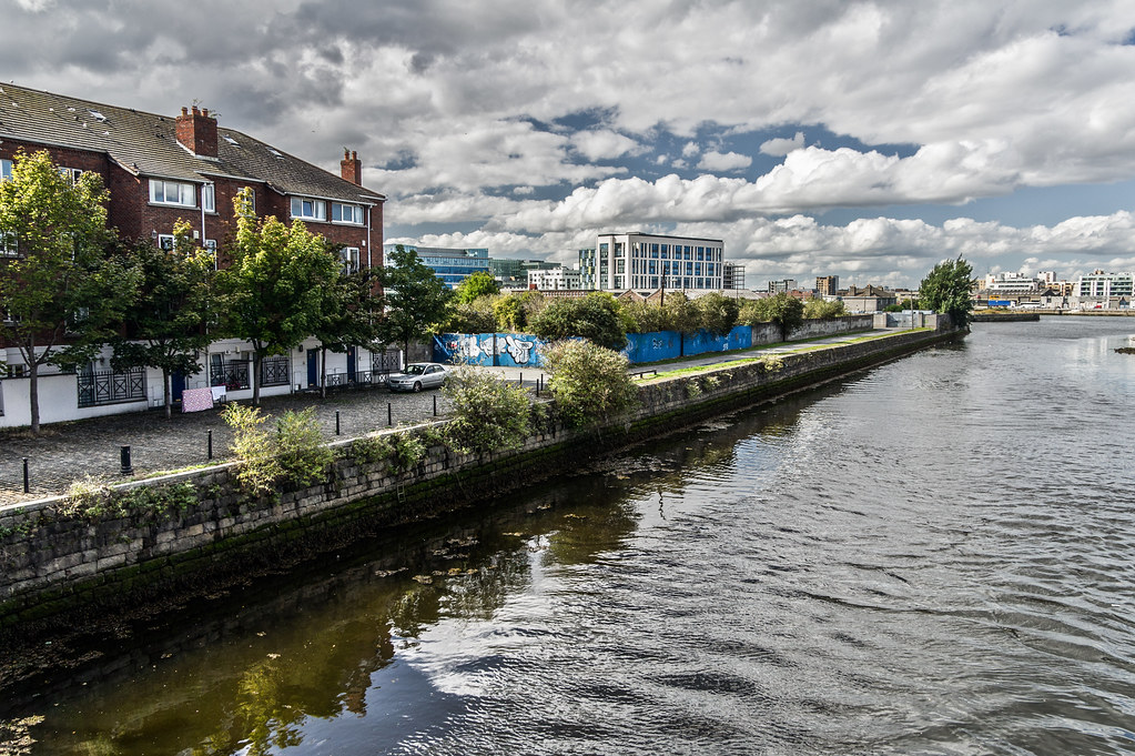 Ringsend - Irishtown Area Of Dublin (River Dodder)
