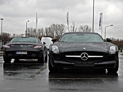 SLS Brothers. (Niklas Emmerich Photography) Tags: worldcars brabusslscoupeandslsroadsterbrabus bottrop2011blackcarbonredexhausttitanwhitesilvergullwingsupercarcombo20112012new571hppstuningmercedesbenzamg6363v8v8biturbo