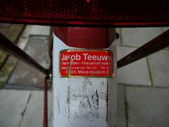 Union achterspatbord, sticker (rear fender, decal, garde-boue arrière, décalco), Amsterdam, Chasséstraat, 06-2011 (Jacques Mounnezergues) Tags: street red people urban classic amsterdam bicycle vintage rouge sticker candid traditional union rear streetphotography streetlife streetscene fender oldtimer spotted decal rue jakob rood fahrrad gents vélo homme fiets ancien roadster streetshot straat arrière meerbusch vintagebicycle stadsarchief instantané traditionnel gespot scènesderue straatfotografie croisé teeuwen straatleven straatfoto classicbicycle gardeboue straatscene herenfiets oudefiets décalco achterspatbord chasséstraat photodanslarue vélohomme oudeherenfiets gentleman'sbicycle vintagegentleman'sbicycle classicgentleman'sbicycle vélohommeancien prisdanslarue stratenvanamsterdam inthestreetsofamsterdam