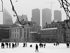 Winter in The Hague (Noutyboy) Tags: winter people white snow black cold holland ice netherlands monochrome canon eos europa europe thenetherlands denhaag government february thehague 2012 550 binnenhof zuidholland lahaya nout 550d eos550d noutyboy