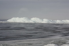 IMG_9145 (neeltjevanderweide) Tags: winter fryslan hindeloopen ijs kruiendijs februari2012