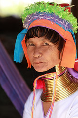 Thalande -  (jmboyer) Tags: voyage travel portrait tourism girl canon thailand photography photo yahoo asia flickr photos femme picture tribal karen thalande longneck lonely asie lonelyplanet tribe monde thailandia birma couleur gettyimages tourisme visage nationalgeographic viajar tailand thanaka tribu padong padaung birmanie kayan femmegirafe googleimage go birmania  lurvely ethnie travelshot documentory besttravelphotos canonfrance earthasia giraffewomen imagesgoogle googlephoto jmboyer mujeresdecuellodejirafa tha1253