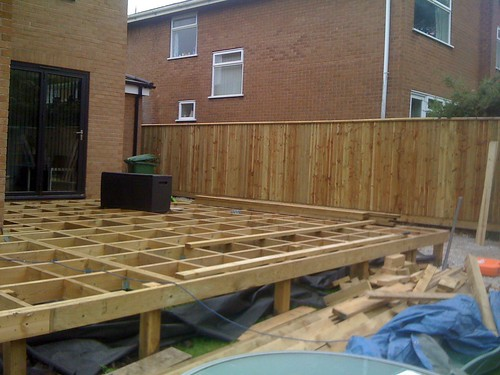 Hardwood Decking Alderley Edge - Modern Family Garden. Image 9