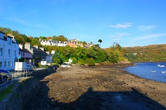 Portree (gmj49) Tags: skye beach water scotland sony portree gmj a350