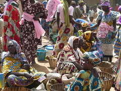 Bustle (Michael from Mountains) Tags: market busy colourful mali bustle djenne traders