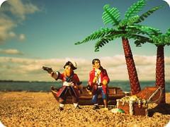 Treasure Hunters (R D L) Tags: beach march treasure pirates palm 2012 musselburgh plastoy