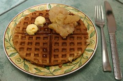 Breakfast for the birthday girl (L. Z.) Tags: yummy treat waffle gentechnikfrei thefutureisgefree sansogmnoquierotransgenicosgmofreeorganic organicnongmo
