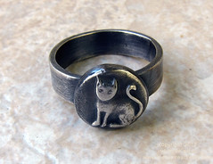 Kitty Ring (Indyspire Art) Tags: cat silver kitty catring vintageinspired quirkyjewelry kittyring indyspireart