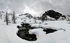IL torrente tra metri neve