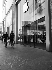 Apple Tax Dodgers (steveo7121) Tags: apple liverpool protest streetphotography olympus tax activist 1240 em5 liverpoolone