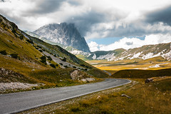 Road to the top - Campo Impertarore/Gran Sasso - August 2013 (luigig75) Tags: road street italy mountains clouds grande strada italia gran piccolo abruzzo corno sasso campoimperatore parconazionaledelgransassoemontidellalaga 450d sigmaaf35mmf14dghsm