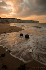 Kingsgate beach (TheAstroRV) Tags: uk sunset sea sky seascape seaweed beach clouds canon landscape kent sand rocks tide cliffs rv posts groyne kingsgate