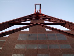 Skyladder (I-N-R) Tags: essen mine bauhaus coal ruhrgebiet zollverein zeche bergwerk bergbau kohlebergwerk