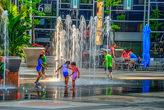 TG 16 05 28 036 (pugpop) Tags: fountain children downtown pittsburgh pennsylvania hdr 2016 massmutualpittsburghicerinkatppgplace