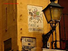 Calle de Cuchilleros. Madrid (Carlos Vias-Valle) Tags: azulejo calledecuchilleros