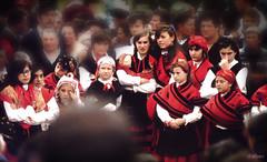 Mocedade galega (Franco DAlbao) Tags: girls red film 35mm analgica rojo fiesta group folklore fair galicia grupo chicas 1978 tradition tradicin analogic romera pelcula folclore trajeregional catoira regionalcostume yashicatle dalbao francodalbao