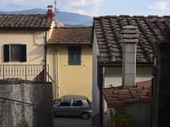 Acone_e-m10_1005065257 (Torben*) Tags: auto street italien italy car strasse tuscany toskana acone rawtherapee olympusm1442mmf3556iir olympusomdem10