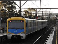 Siemens Departing (damos photos) Tags: metro suburban siemens departing southkensington 2016