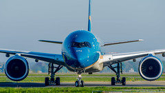 Airbus A350-900 Vietnam Airlines VN-A887 (rouerjb) Tags: airplane airport nikon vietnam airbus facetoface cdg vietnamairlines lfpg a350