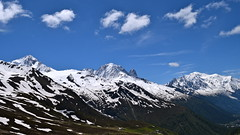 Les trois sommets The three summits (CHAM BT) Tags: neige montagne glacier sommet montblanc chaine massif hautesavoie france rando nuage snow mountain summit chain range treck hike cloud tourdumontblanc fonte avalanche coulee marron blanc brown white
