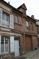 Verneuil-sur-Avre (Eure, Haute-Normandie, France) (bobroy20) Tags: city house france village porte normandie maison fenêtre façade tourisme eure hautenormandie verneuilsuravre maisonnormande