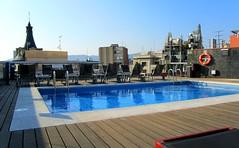 Hotel Jazz / Zwembad op het dak / Barcelona (rob4xs) Tags: barcelona pool hotel spain zwembad swimmingpool catalunya spanje cataloni hoteljazz