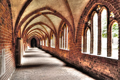 Cloister St. Marien Havelberg Germany (Habub3) Tags: door city travel holiday building window architecture germany deutschland vanishingpoint reisen nikon europa cathedral dom basilica fenster urlaub kirche stadt architektur cloister bauwerk gebude tr hdr elbe vacanze 2012 hansestadt d300 stmarien kreuzgang eurpoe havelberg habub3 mygearandme blinkagain