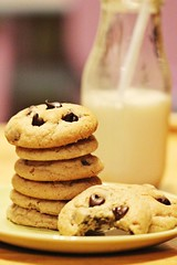 PB choco chip (kbry98) Tags: milk cookie delicious snack chocolatechip peanutbutterchocochipcookies