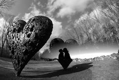 Together (Volpe della Notte) Tags: statue heart valentine together donny flo blend