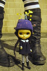 Blythe Physical Challenge #48: Me and My Blythe (Fiddybobiddy) Tags: atall almostmidnight number48 meandmyblythe blythephysicalchallenge streetlightsarenosubstitutefordaylight