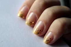 Ombré Glitter Nails (brunajust) Tags: