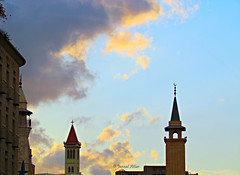 a mosque & a church decorates the sky of beirut (eVerY rOsE hAs itS thorN,EvEry nIghT hAs itS dAwN) Tags: sky lebanon church wow downtown union mosque bei