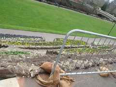 Grounds of Tamworth Castle - early Spring flowers down the walled bank (ell brown) Tags: greatbritain bridge flowers england flower spring footbridge unitedkingdom staffordshire tamworth tamworthcastle riveranker thecastlegrounds ankersideshoppingcentre castlepleasuregrounds