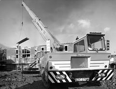 J.D.White Bantam (71B / 70F ( Ex Jibup )) Tags: mobile big lift crane head duty boom cranes block chassis hook derrick root heavy jib strut sections slew ballast lifting hoist telescopic capacity counterweight outriggers jdwhite