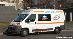 Ambulncia (Francesc_2000) Tags: barcelona light espaa lights luces spain europa europe catalonia ambulance vehicle catalunya emergency emt metropolitan llums emergencia espanya ambulancia urgencias serveis medicas ambulncies