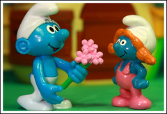 Flowers that bloom in the spring (Rigib) Tags: flowers blue canon toy miniature figure characters 60mm smurf f71 smurfs applause schlumpf pitufo jakks schlmpfe schtroumpf peyo smurfvillage puffo  sassette img6524   vanitysmurf 365toyproject moulov sanafer ourdailychallenge smurfling