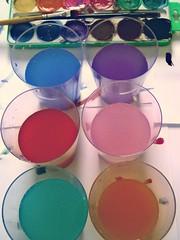 Distrao dos domingos de chuva. (jucadima) Tags: colors paint tinta