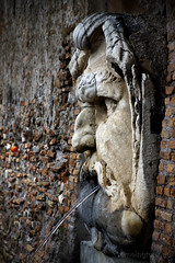 "Giardino degli Aranci, fontana • <a style=""font-size:0.8em;"" href=""http://www.flickr.com/photos/89679026@N00/7150079299/"" target=""_blank"">View on Flickr</a>"