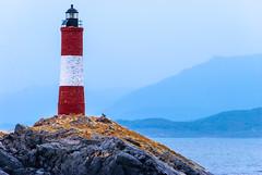 Navegando hasta el fin del mundo (Tolkimov) Tags: sea patagonia argentina faro ushuaia island mar sail beacon isla navegar navegando worldsend beaglechannel findelmundo canalbeagle leseclaireurs