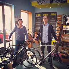 RL and NY picking up new bikes. @seven_cycles #R785