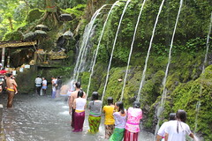 Sources sacres - Tirta Sudamala - Bali (GeckoZen) Tags: bali indonesia sources sourcessacres tirtasudamala