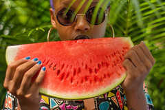 (bereh!) Tags: summer portrait people food woman black tree girl sunglasses brasil riodejaneiro leaf mujer colorful gente retrato mulher palm watermelon melancia delicious nails preta porn verano tropical brazilian garota summertime ritratto negra delicioso delicia morena sandia brasileira oculos verao gostoso gostosa wassermelone delighful errejota