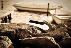 Il sarto di Panama (Roberto Giorgi) Tags: sardegna barche panama cagliari cappello stagno