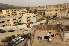 Petite fille. (Chlo S. Herzhaft) Tags: maroc fs  arabes  photodechlosarahherzhaft petitemarocaine