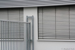 farblos - colorless (Manfred Fuchs) Tags: windows color window colors grey fenster grau colorless farbe farben farblos manfredfuchs fuchsmanfred